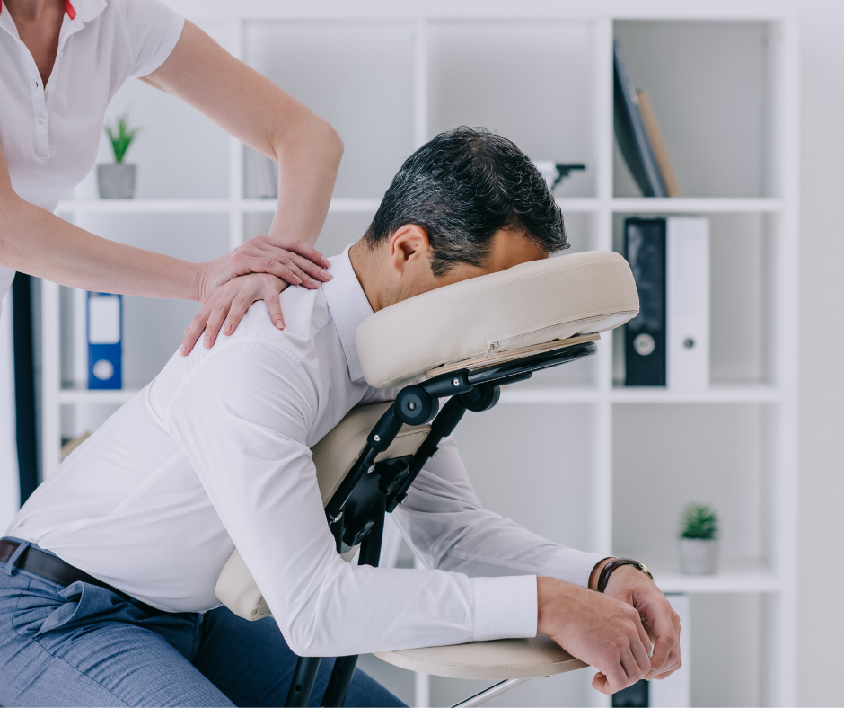 10 REASONS WHY HR DEPARTMENTS SHOULD INVEST IN OFFICE MASSAGES