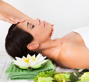 Aromatherapy Acupressure for Pain Relief Online Course 1
